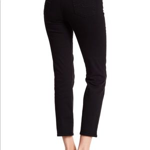 Like New 7 for all mankind black karah crop jeans